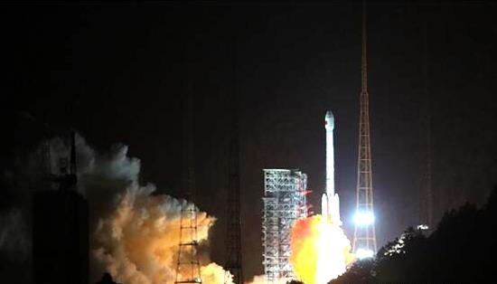 """""""一箭双星""""两颗北斗三号组网卫星在西昌成功发射"""