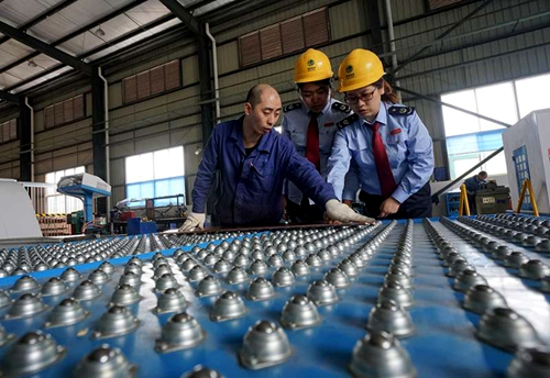 乐山国税:精准施策减税负 企业发展添后劲