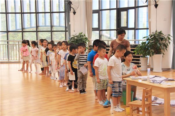 泡桐树幼儿园开展健康体检工作 促进幼儿健康成长