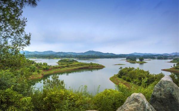 黑龙滩:河长制 让生命之水常清长流