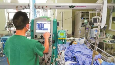 蹊跷 久病老人没来就诊 护士报警接力寻找救回一命