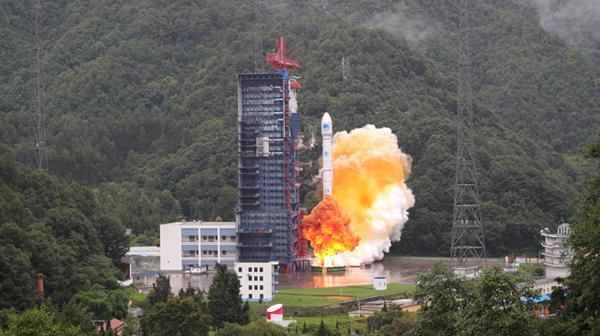 """我国""""一箭双星""""成功发射两颗北斗导航卫星"""