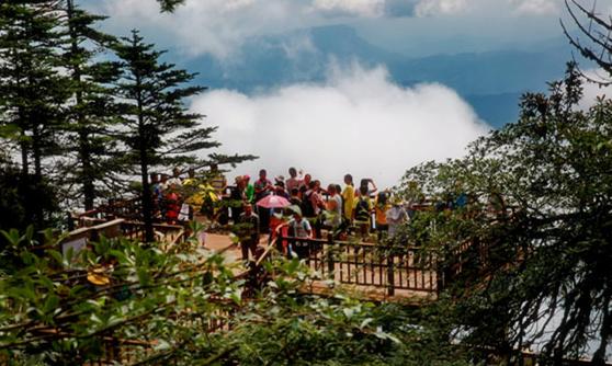 四川瓦屋山正式向国内外游客重新开放