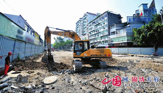 南充顺庆今年实施20个重点城建项目 人员机械齐上阵