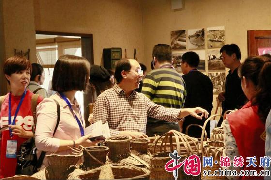 中国文化馆年会龙泉分会场开幕 30余位全国文化馆负责人到龙泉驿参观交流