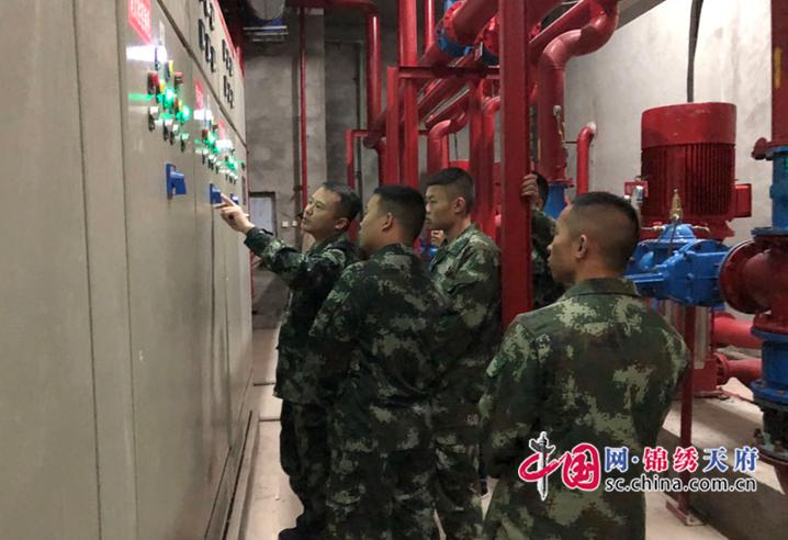 蓬溪消防大队开展大型商场灭火救援现场教学