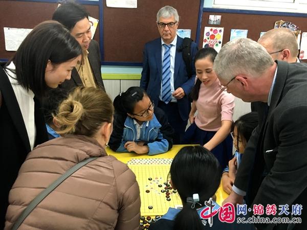 法国中小学校长到成都西北中学外国语学校交流