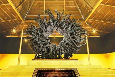 乌木博物馆 斑驳树纹上刻着远古的壮歌