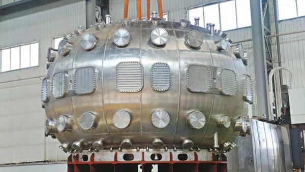 """中国环流器二号M装置核心部件运蓉组装 """"人造太阳""""有望年底在川建成"""