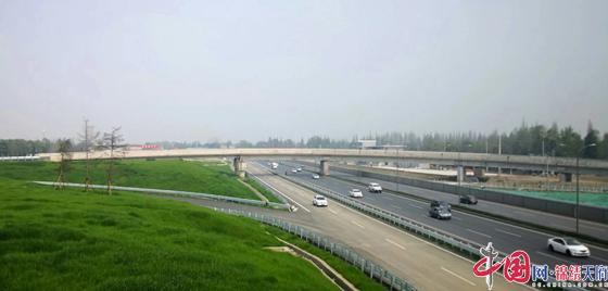 成都市郫都区首座绕城高速全互通式立交正式通车