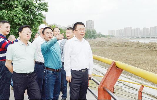 赵世勇调研督导旌湖河道清淤工作时强调 加快进度保证质量 打造市民满意工程