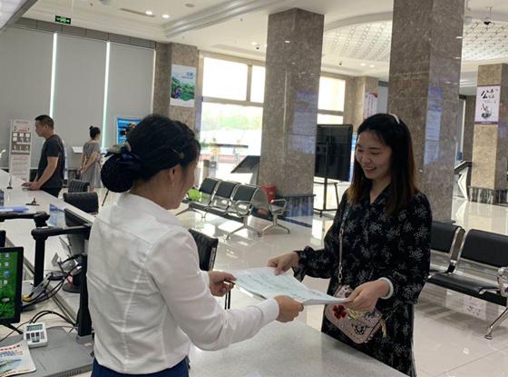 """川南临港片区:""""多证合一""""让药品经营零售企业最快5天拿证"""