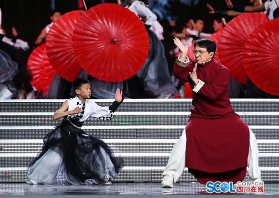 泸州分水岭油纸伞绽放亚洲文化嘉年华