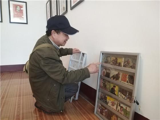 舍弃每年近3万房租费 中江老人在乡村办免费连环画美术馆