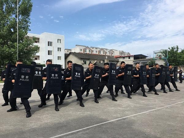 中江县公安局特巡警大队扎实开展练兵活动