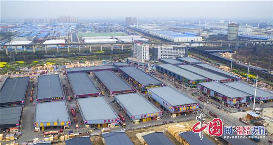 成都铁路口岸:今年木材交易有望突破40亿元