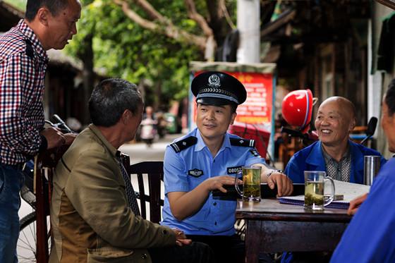 """德阳公安全力打造""""最强服务""""为办事群众提供便捷"""