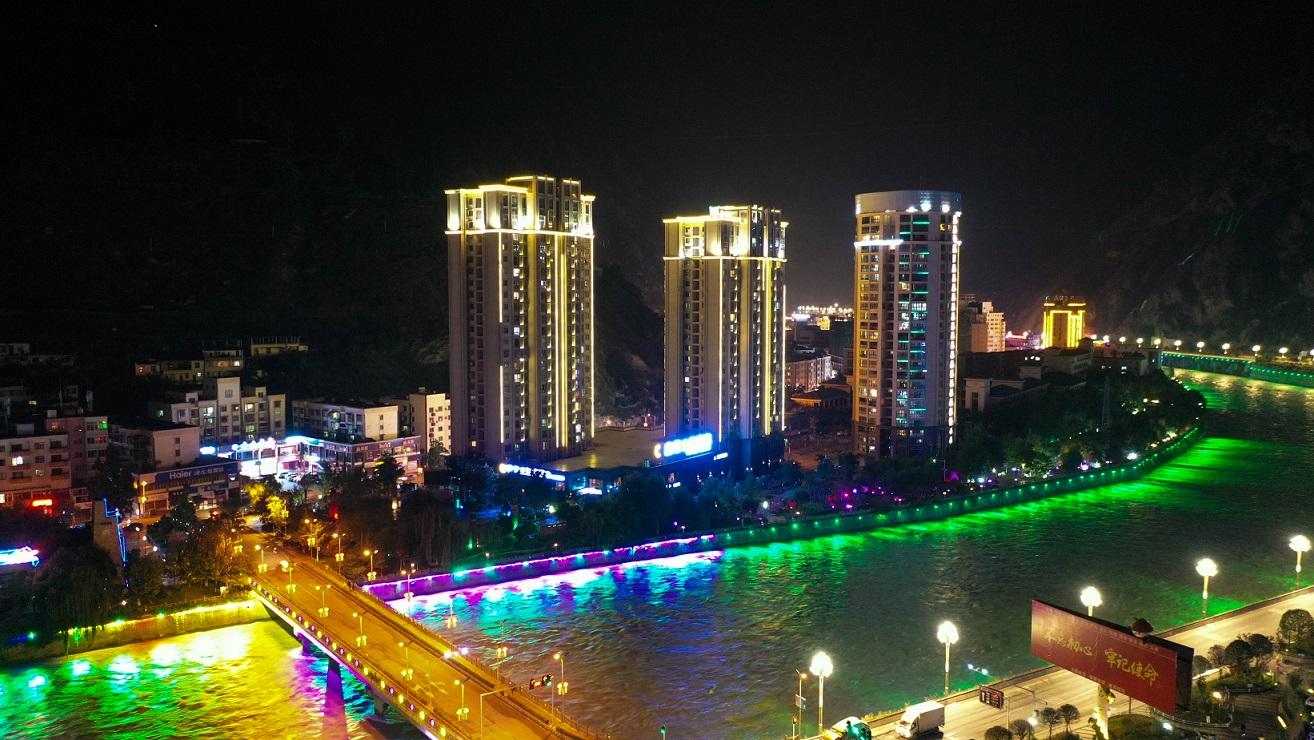 航拍汶川县:大禹故里、熊猫家园、羌绣之乡