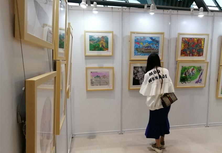 """""""2019首届成都国际青少年美术年展""""开幕"""
