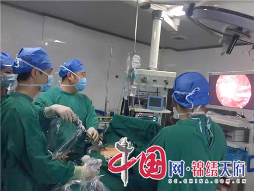 1   2019年10月23日  首例胸腔镜下胸腺全切术.jpg