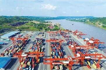宜宾外贸进出口总值首次突破百亿大关